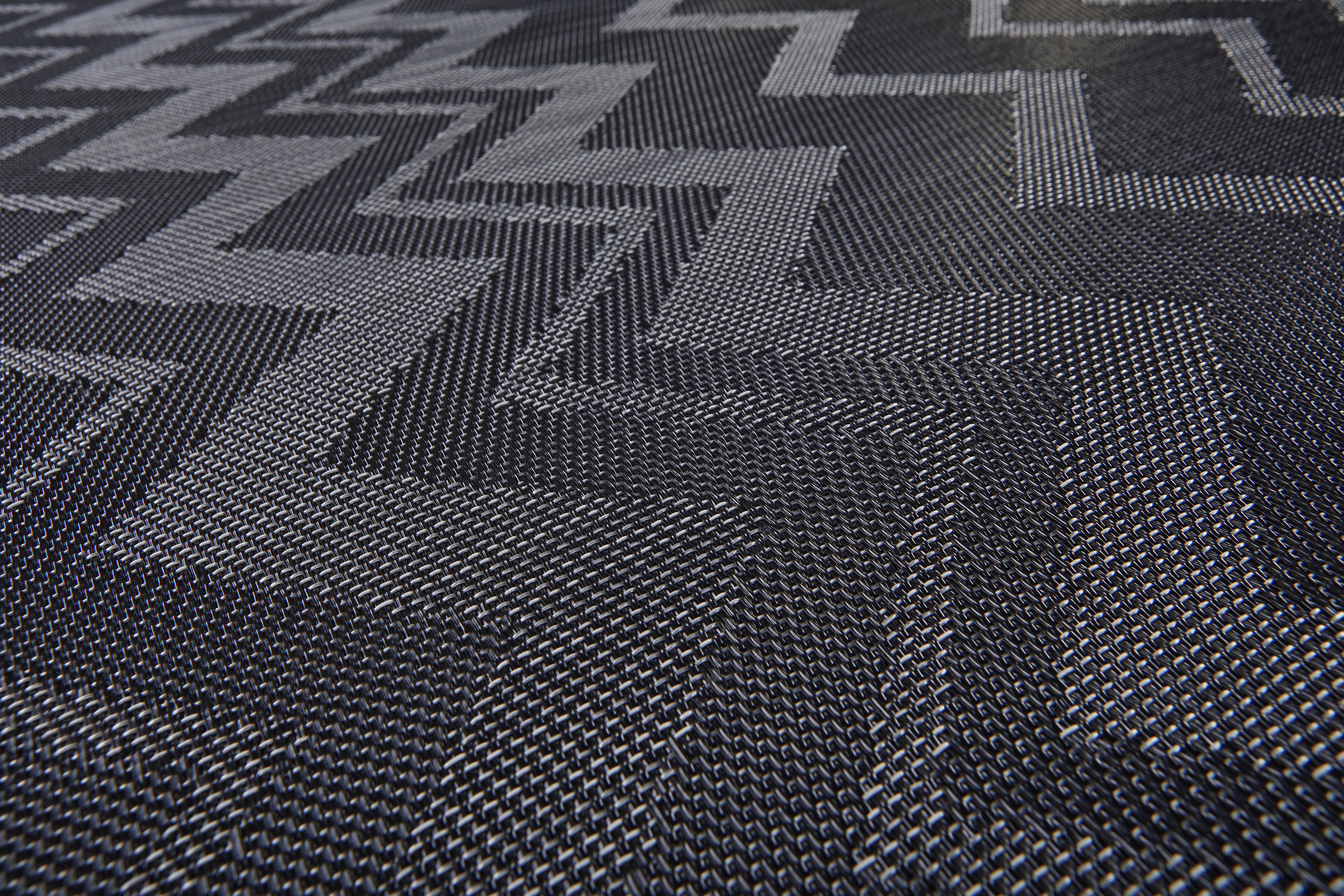 Bolon_Flooring_MissoniHome_ZigzagBlackClose